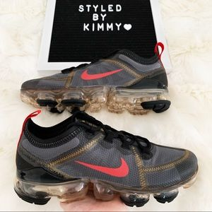 NIKE AIR VAPORMAX Sneakers Shoes NEW Black Gold